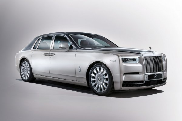 Новый Rolls-Royce Phantom представят американцам в Детройте