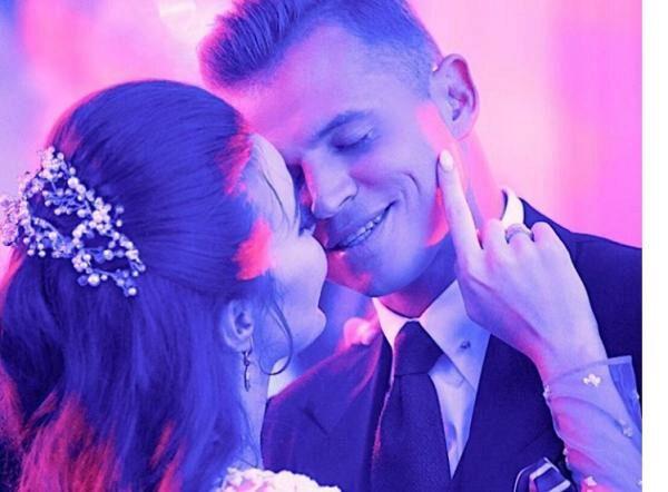 97b08e947350 Дмитрий Тарасов купил себе кольцо в несколько раз больше чем у жены