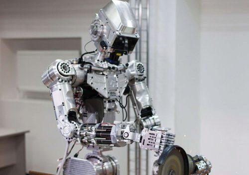 https://xoroshiy.ru/uploads/posts/2019-07/chelovekopodobnyy-robot-fedor-zagovoril_1.jpg